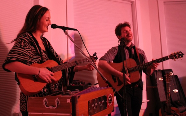 Barnaby Bright at Windy City House Concerts