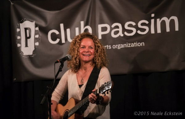 Lara Herscovitch at Club Passim Aug 2015 by Neale Eckstein