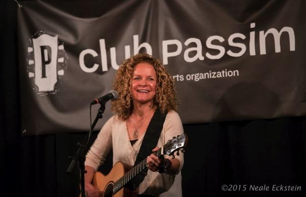 Lara Herscovitch at Club Passim Aug 2015 by Neale Eckstein